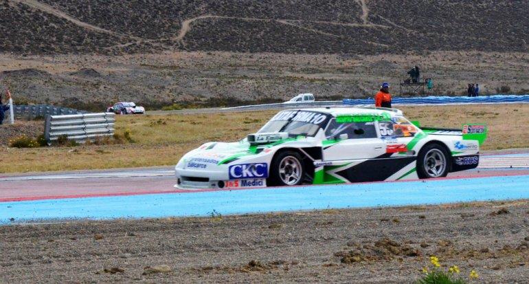 El Torino de Santiago Mangoni que ayer se mostró como el más veloz en el autódromo General San Martín de Comodoro Rivadavia.