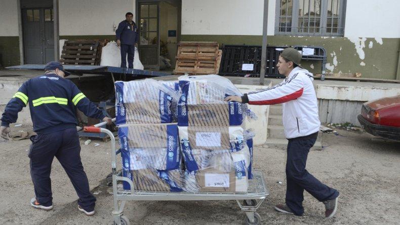 La sucursal Comodoro Rivadavia del Correo Argentino es el lugar desde donde se distribuyen las urnas para todo el sur de Chubut.