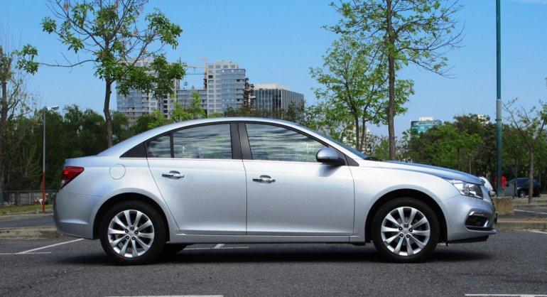 Cruze Sedan LTZ test drive: joven y con actitud