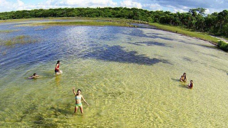 Sus aguas cristalinas la convierten en un paraíso para quienes disfruten del buceo.