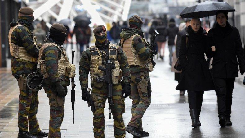 Bélgica reforzó su vigilancia en Bruselas y otras ciudades.