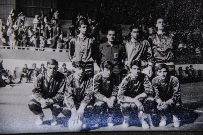 Equipo de vóley del Colegio Nacional Perito Moreno
