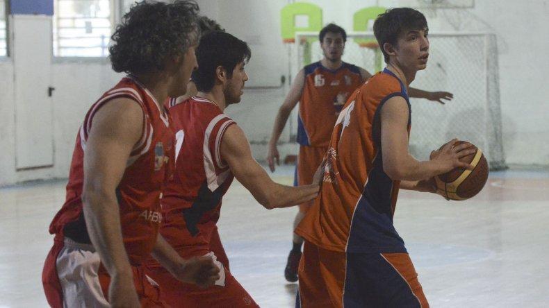 El básquetbol local tendrá acción esta noche en Rada Tilly y en el Socios.
