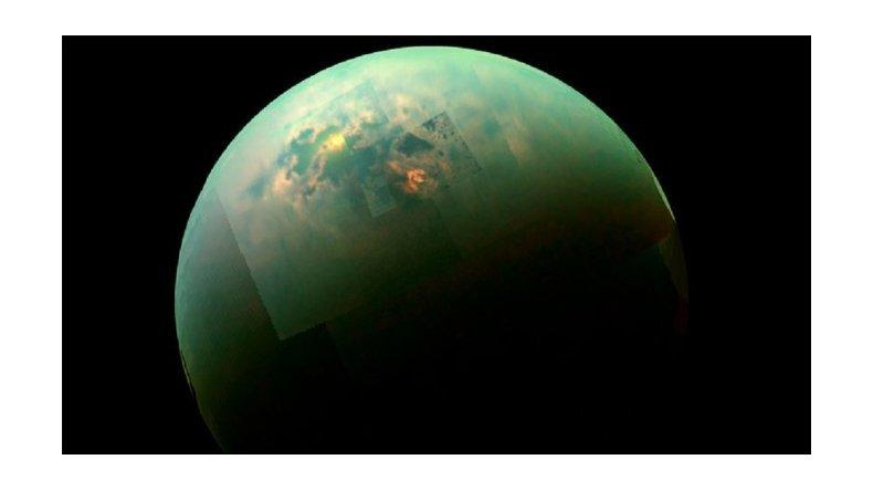 La NASA detecta una gigantesca nube de hielo en la luna de Saturno