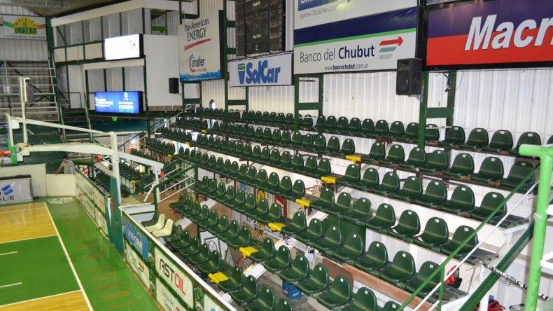 Las butacas también fueron arregladas y pintadas para la nueva temporada de la Liga Nacional.