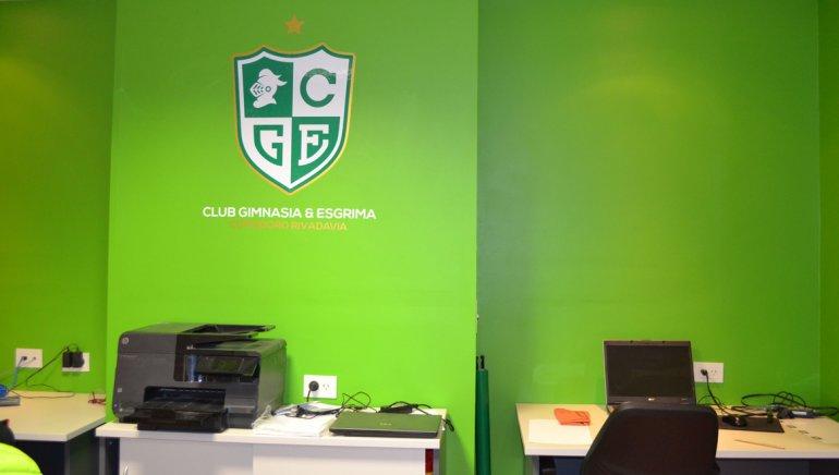 La secretaría del club mens sana funciona al ingreso del Socios Fundadores.