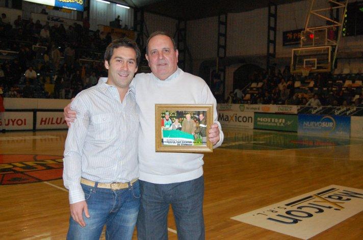 El presidente Juan Pablo Luque y el ex titular de la entidad Jorge Christoph.