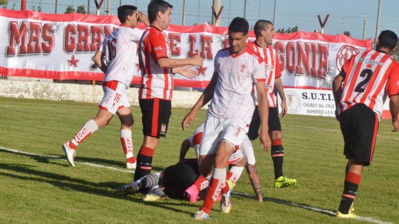 La desazón en la mirada de Mauro Villegas cuando el partido transitaba sus últimos minutos.