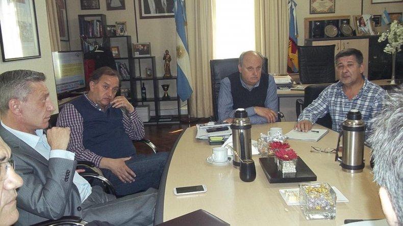 La reunión de Di Pierro y Linares con Arcioni y Pagani.