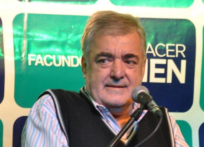 Mario Das Neves comentó que en la madrugada de ayer mantuvo una comunicación con Mauricio Macri.