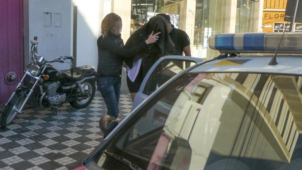 La mujer fue detenida en el propio club nocturno de la calle Belgrano por presunta trata de personas.