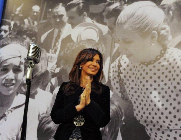 Convocan a acto masivo en homenaje a Cristina Kirchner