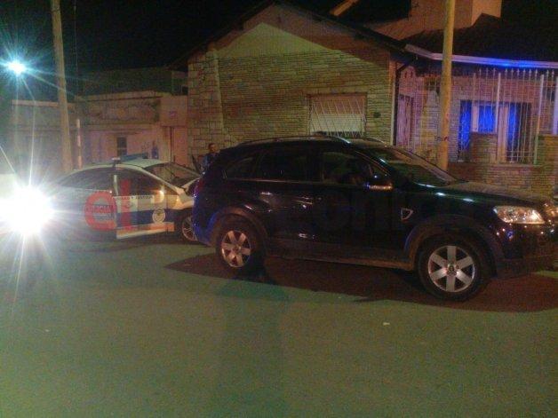 Un patrullero chocó contra dos autos: hay dos policías heridos
