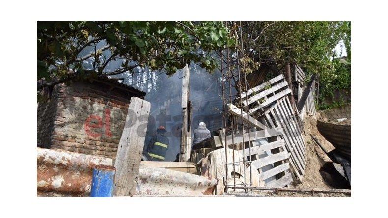 Incendiaron dos casas en el Newbery y los vecinos advierten que fue una venganza