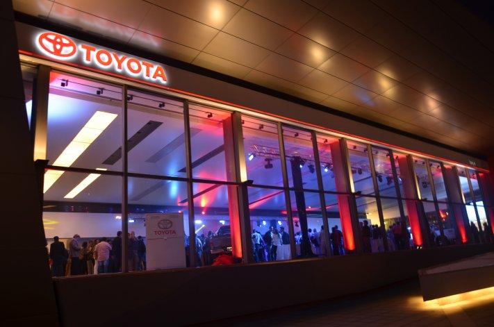 Las instalaciones de Tsuyoi estuvieron colmadas por un público ansioso de conocer la nueva Toyota Hilux.