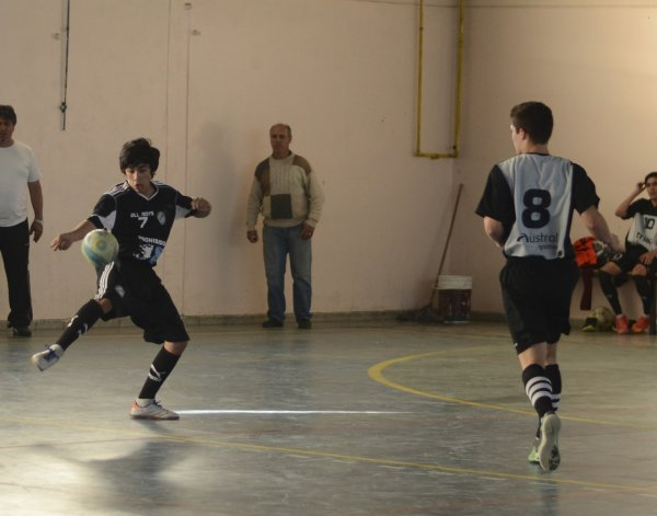 Tres días de plena actividad se viene desde hoy en la Asociación Promocional de fútbol de salón.