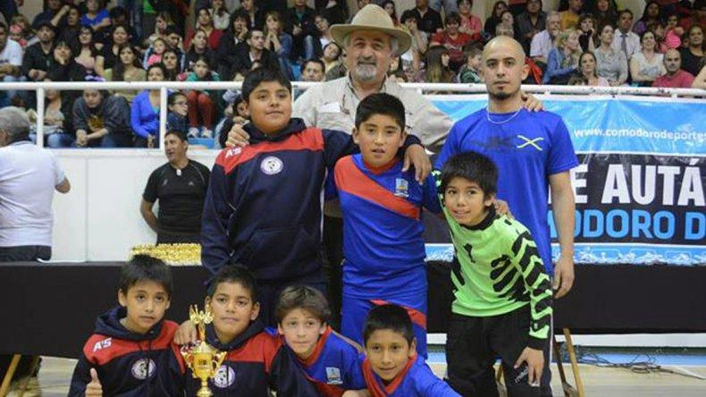 La Liga Municipal de Fútbol coronó a sus campeones