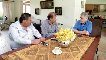 La reunión que el gobernador electo mantuvo en Buenos Aires con Carlos Linares y Jorge Avila.