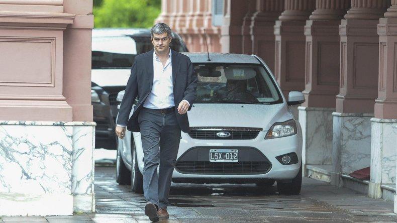 Marcos Peña al salir de la Casa de Gobierno luego del encuentro que mantuvo con Aníbal Fernández.