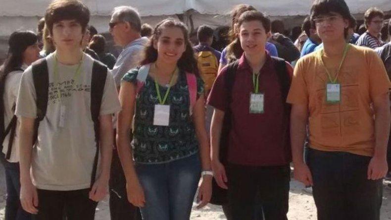 Los estudiantes secundarios santacruceños que llegaron a la final nacional de la Olimpíada de Matemática ya rindieron pruebas escritas y hoy deberán afrontar un examen oral.