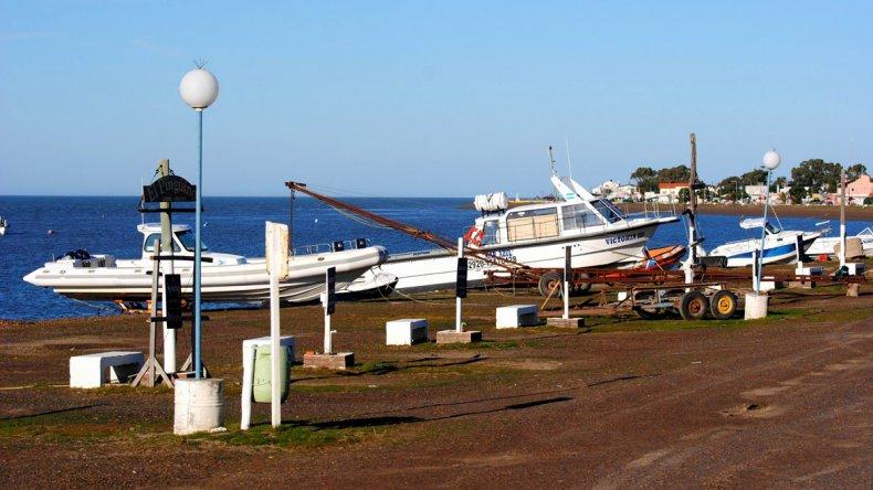 El encanto y la tranquilidad la convierten en el destino ideal de pescadores y familias.