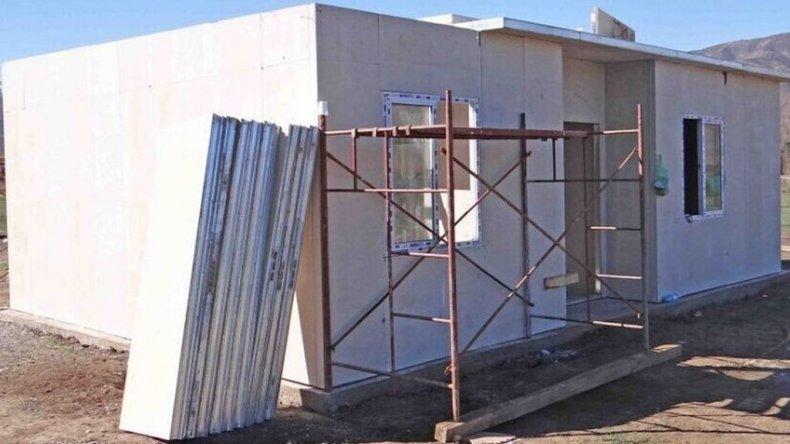 Denuncian estafas con casas prefabricadas