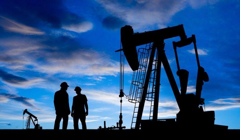 Obligados a irse de vacaciones,  los petroleros atraviesan un panorama de incertidumbre