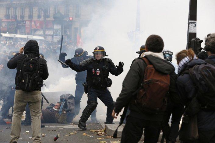 En medio de la represión policial comienza la Cumbre sobre el Clima.