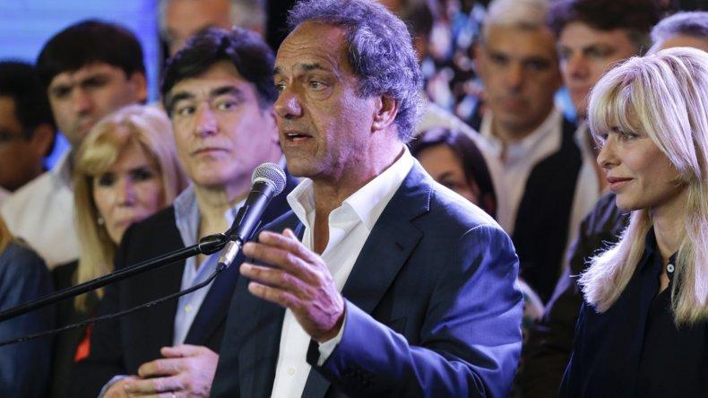 Scioli: preocupa que no cumplan con eliminar Ganancias