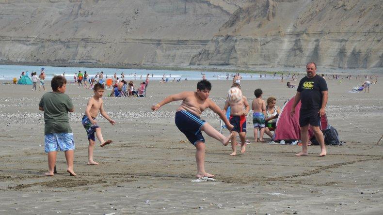 Con casi 30 grados, todos  a la playa