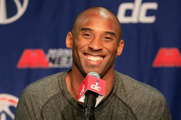 Kobe Bryant anunció su retiro para final de temporada