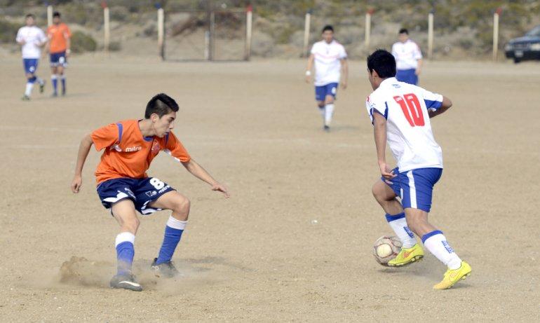 La CAI y Argentinos Diadema completarán esta tarde la última fecha del torneo Final A del fútbol de Comodoro Rivadavia.