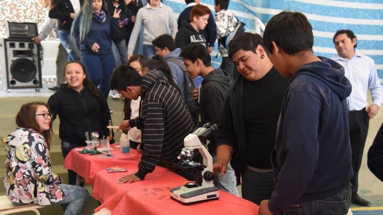 La muestra de los distintos talleres realizados durante el año por los jóvenes.