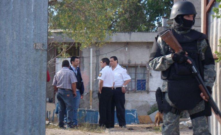 Cayó una banda de estafadores integrada por un policía y liderada por un preso