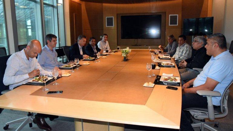 Macri almorzó con Moyano y repasaron la agenda sindical.