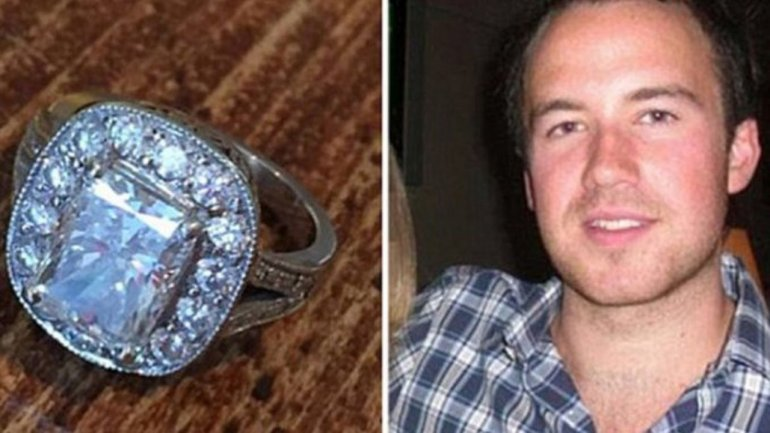 Encontró un anillo de 71 mil euros y buscó a su dueña por Facebook