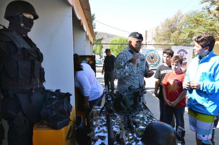 Ayer se iniciaron las actividades por el aniversario de la Policía del Chubut con una muestra que tuvo lugar en Rada Tilly.