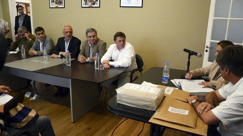 Se realizó ayer en Comodoro Rivadavia la licitación de las primeras secciones del proyecto.