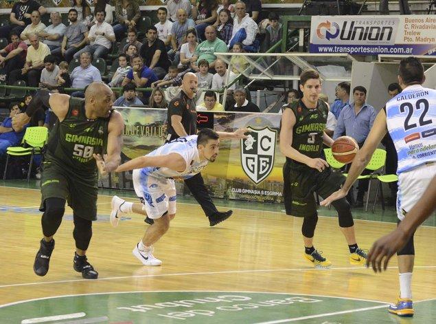Nicolás de los Santos ante la marca de Santiago Scala