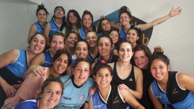Las chicas de Calafate RC festejaron su 6° título consecutivo e invicto en el hóchey de campo.