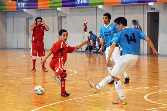 Huracán le ganó por penales 7-6 a Comodoro Show Gol y terminó tercero en la categoría B.