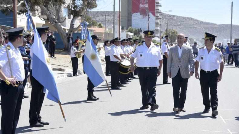 Las autoridades policiales junto al secretario provincial de Seguridad