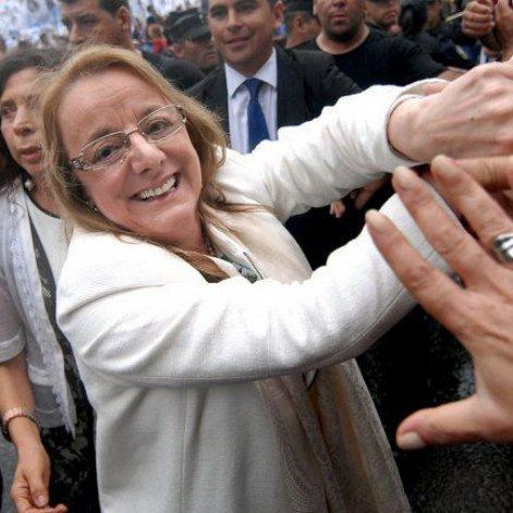 Sin Peralta, Alicia Kirchner jurará como gobernadora