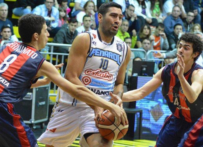 Leonardo Gutiérrez marcado por Leandro Cerminatto y Eric Flor.