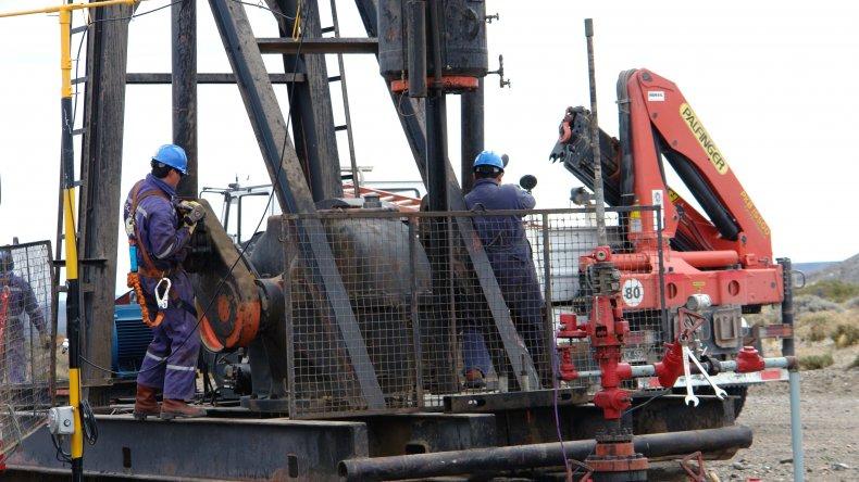Petroleros se reúnen con la CEOPE  en el Ministerio de Trabajo