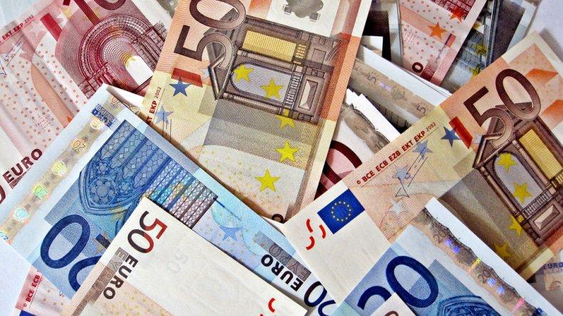 Encontraron 100 mil euros flotando en el Danubio
