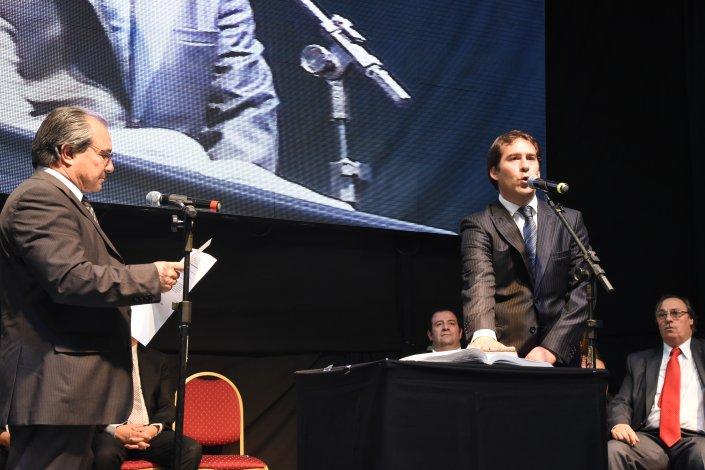 Juan Pablo Luque después de un período al frente del bloque del Fpv juro como viceintendente de Comodoro