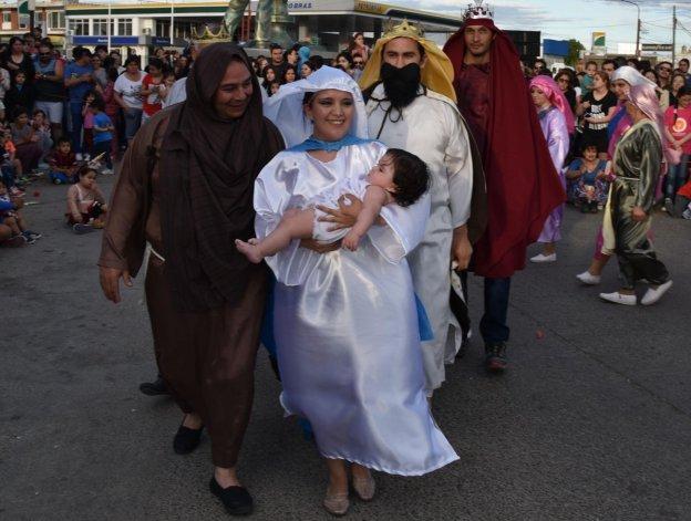 El ballet de danzas nativas Patria y Tradición puso en escena un cuadro musical alusivo al nacimiento del niño Jesús.