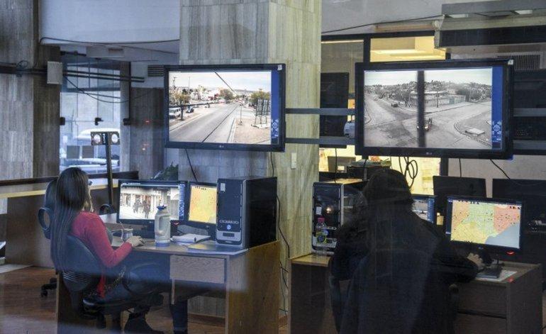 Linares propone que el municipio controle el Centro de Monitoreo