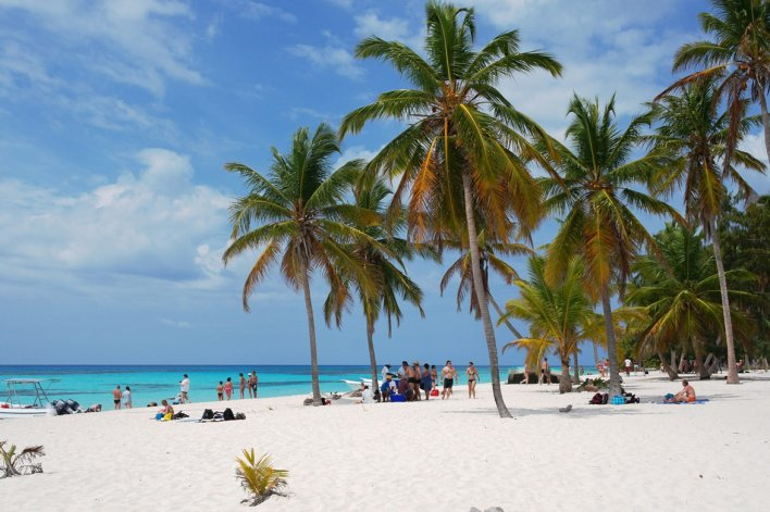 Las aguas turquesas y cálidas son el principal motivo por el que los turistas visitan Punta Cana.